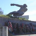 Бауманцы посетили мемориал ополченцам на 242-м километре Москва – Минск