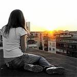 Гагаринская школьница после алкоголя прыгнула с девятиэтажки