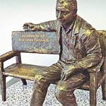 А будет ли памятник Папанову?