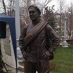 В Смоленске отлили памятник товарищу Сухову