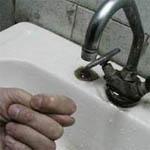 Несколько дней без воды в Вязьме становится нормой