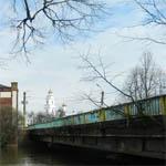 Водитель Мерседеса разрушил Смоленский мост