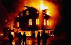 При пожаре в Ново-Никольском сгорели два человека