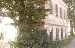 С дома по ул. Смоленской 12, украли сетку