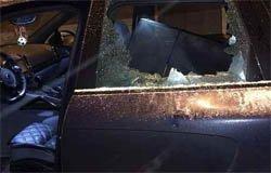 Работник придорожного кафе на М-1 в ссоре разбил машину клиентов