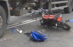 В вяземском районе водитель мотороллера погиб под фурой