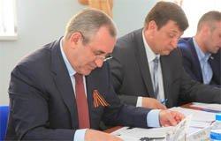 Владимира Парфенова отметили в Госдуме за статью «От Вязьмы – до Берлина»