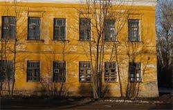 Вяземские власти сдали в аренду полуразрушенный памятник архитектуры