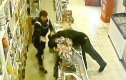 Пьяный рецидивист ограбил магазин