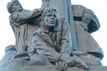 Вязьма памятник генералу Ефремову