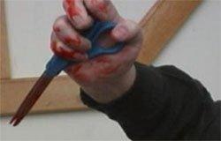 Житель Вязьмы угрожал убить сожительницу ножницами