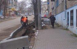 Бордюры в Вязьме укладывают тоже зимой