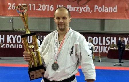 Вязьмич Роман Рассихин взял серебро чемпионата Европы по каратэ