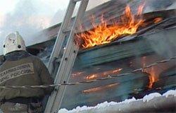 На улице Мира горел дом