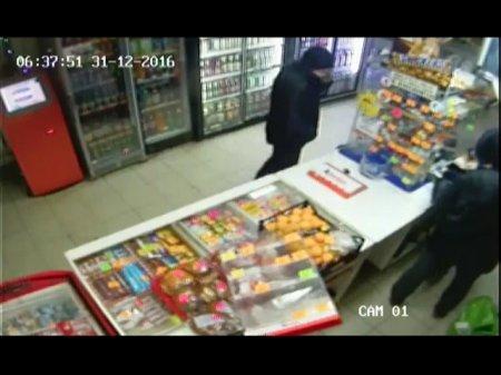 Полиция раскрыла ограбление магазина по ул. Строителей