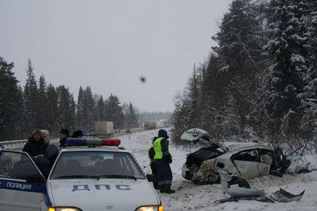 Пять человек пострадало в ДТП с КАМАЗом на 215 км М-1