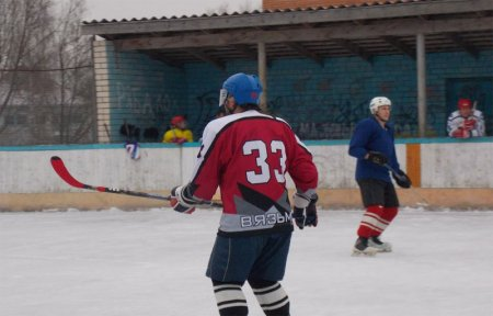 В субботу на игре умер хоккеист ХК Салют