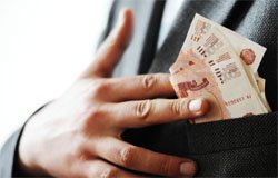 В Вязьме торговый агент присвоил 500 тыс рублей
