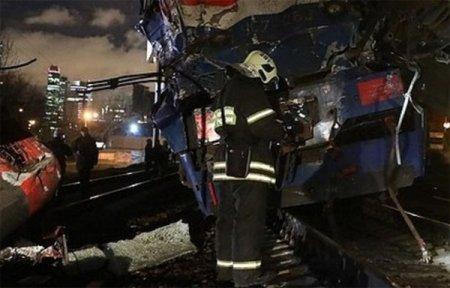 Под Москвой электричка Москва - Вязьма столкнулась с поездом