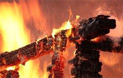 Вчера на ул. Луначарского сгорел дом