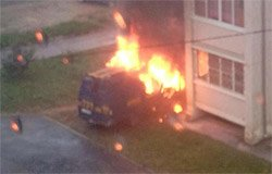 В Вязьме вчера сгорел автофургон ГАЗ. Видео