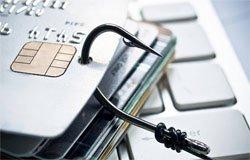 Лжесотружник банка списал с карты жителя Вязьмы 30 000 рублей