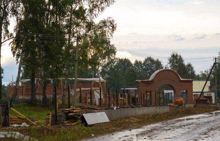 Церковь разрушила памятник архитектуры в Мольгино