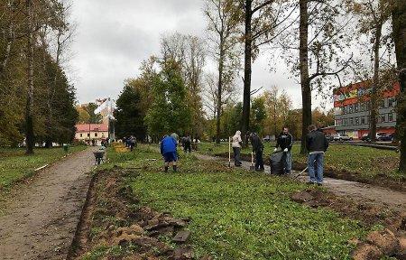 ООО «Банкон» провели субботник в парке им. Савицкой