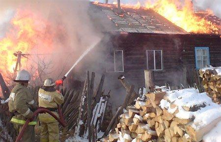 В деревне Ефремово сгорел дом. Погиб ребенок