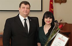 За лучшее освещение деятельности власти вяземские журналисты получили награ ...
