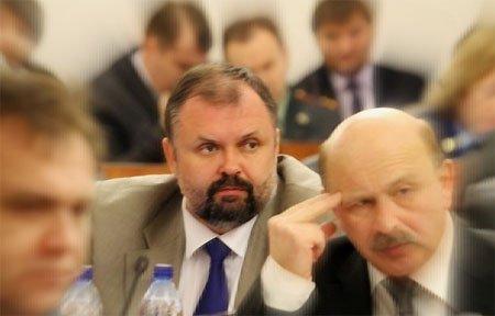 Михаил Атрощенков выходит из состава областной Думы