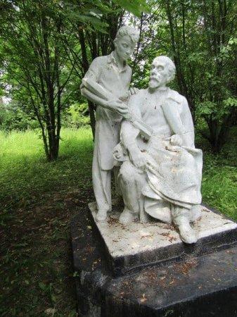 Памятник Циолковскому в Вязьме