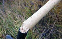 Местный Отелло избил знакомого черенком от лопаты