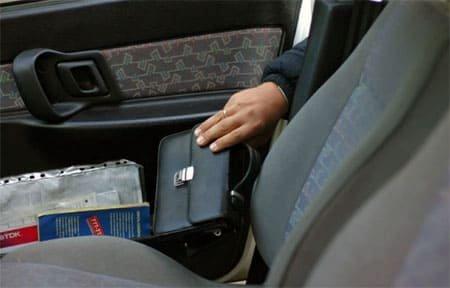 За кражу из салона автомобиля грабители могут сесть на 5 лет