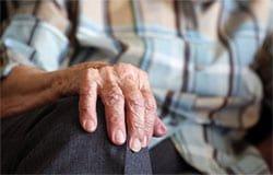 В Вязьме мошенники обворовали 90-летнего пенсионера