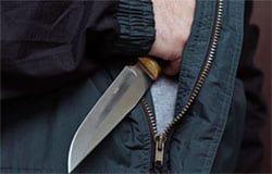 Житель Вяземского района ворвался в магазин с ножом и ограбил кассу