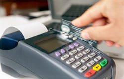 Шоппинг с чужой банковской картой закончился для вязьмички уголовным делом