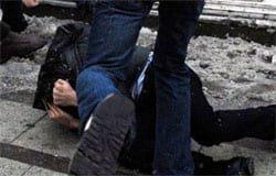 В Вязьме трое студентов избили и ограбили мужчину