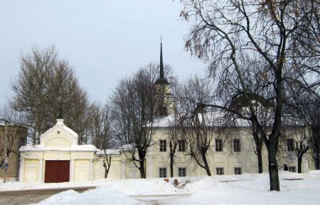 Аркадиевский монастырь принял первых обитательниц