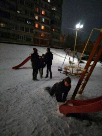 Детские шалости на ул. Полины Осипенко становятся опасны