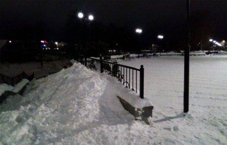 Набережная на Лейтенанта Шмидта стала местом утилизации снега