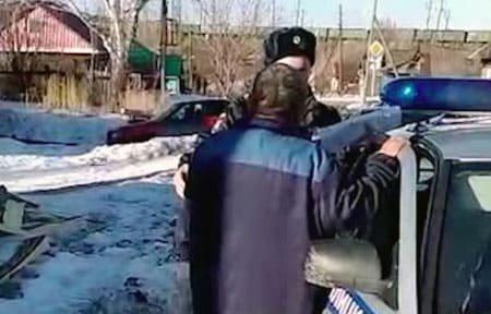В одной из деревень Вяземского района полиция поймала пьяного водителя