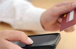 Сыщики раскрыли кражу сотового телефона и банковской карты