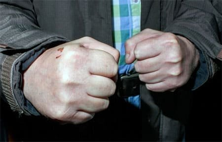 Житель Вязьмы обидел полицейского и попал под уголовное преследование