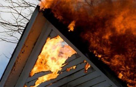 При пожаре в д. Черемушки пострадал мужчина