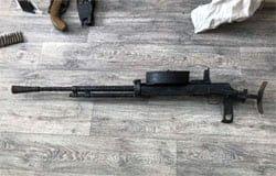У жителя одной из деревень Вяземского района обнаружили склад оружия