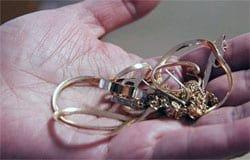 Берегите золотишко: вязьмичку обокрала собутыльница