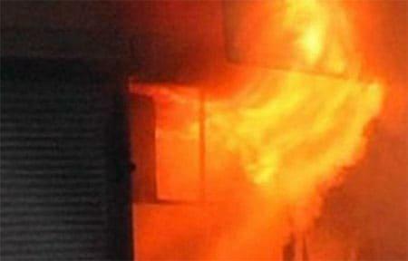На Красноармейском шоссе сожгли торговый павильон