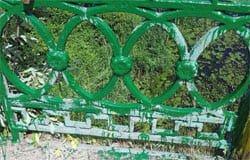 На Фроловском мосту появились чудо-перила