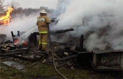 В бараке на Объездной сгорел бездомный мужчина